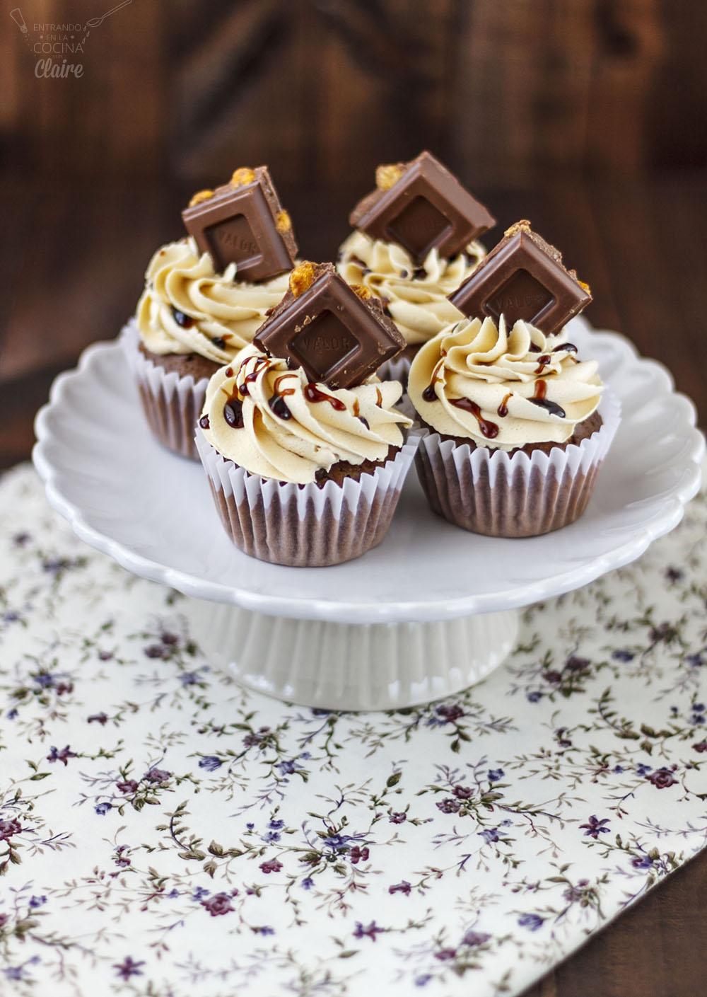Cupcakes de Chocolate con Kikos 01