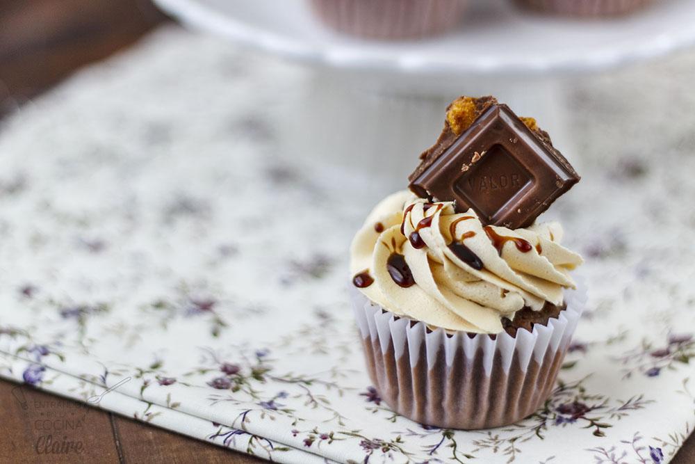 Cupcakes de Chocolate con Kikos 06