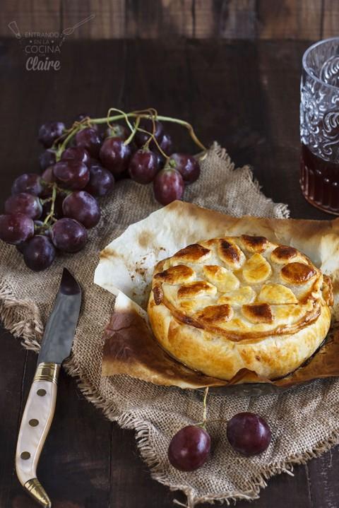 Hojaldre de camembert con uvas 03